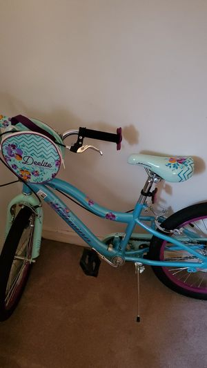 Schwinn Girls Bike for Sale in NEW KENSINGTN, PA