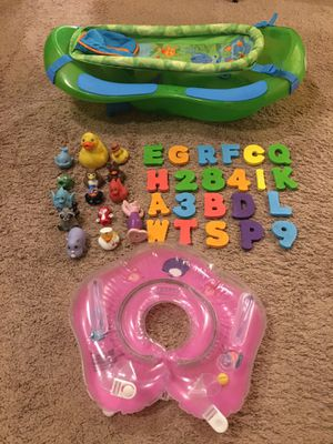 First year newborn/Infant/toddler/baby/kid bathtub, bath toy, alphabets, floater for Sale in Pacific, WA