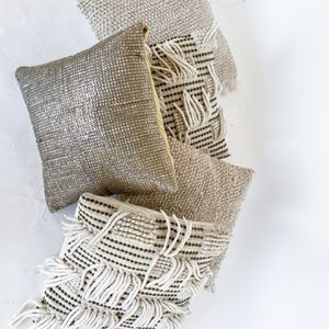 White Morrocan Throw Pillows for Sale in Los Angeles, CA