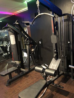 QUANTUM LAT PULLDOWN/MID ROW MACHINE GYM FITNESS for Sale in Dallas, TX