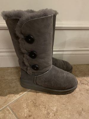 Ugg Boots Girls Size 1 EXCELLENT condition (ppu Macomb 22&Hayes) No Holds FCFS for Sale in Macomb, MI