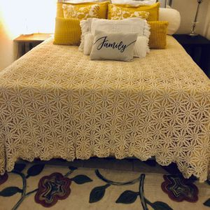 Hand Made Queen Blanket Never Used Only To Take Picture for Sale in Visalia, CA