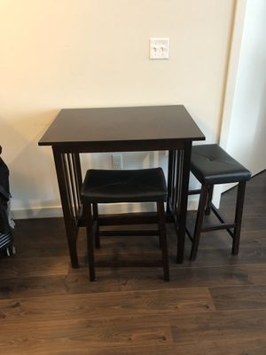 Pub Table / Dinning Table with Stools for Sale in Washington, DC