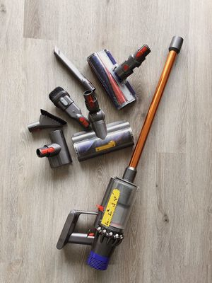 Vacuum cleaner Dyson Cyclone V10 Absolute for Sale in Los Angeles, CA