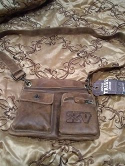 JERRY BRUCHEIGMER BAD BOYS , BRAND NEW Men's ROOTS VINTAGE LEATHER SATCHEL $220 OBO for Sale in Las Vegas,  NV
