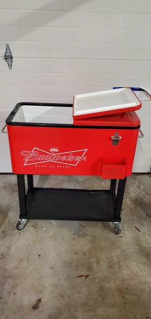 Budweiser Rolling Cooler for Sale in Deale, MD