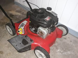 YARD MACHINE LAWN MOWER @ HOBBY AIRPORT for Sale in Houston, TX