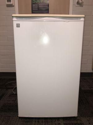 GE 4.4 cubic ft mini-fridge for Sale in Eugene, OR