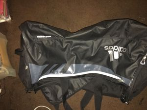 Adidas duffle bag for Sale in Compton, CA