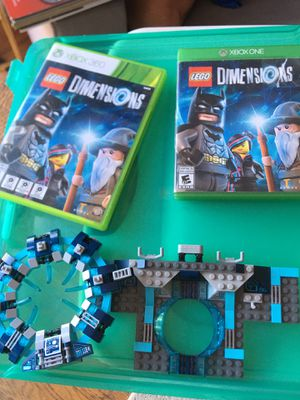Lot Legos dimensions w/ Xbox one & Xbox 360 game for Sale in San Diego, CA