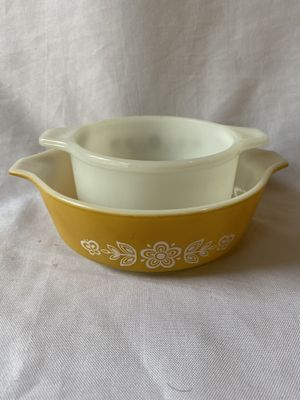 Vintage Pyrex mini baking dishes for Sale in Lynnwood, WA