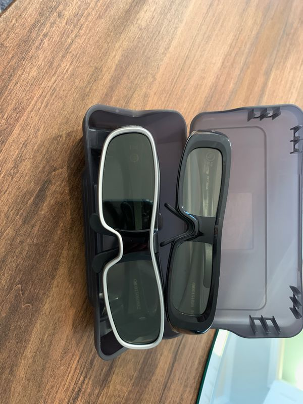 3D Panasonic TV with 3D glasses includes