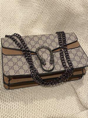 Gucci Dionysus medium GG shoulder bag for Sale in Cranford, NJ