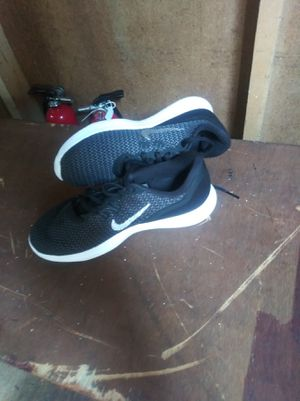 Nike tennis shoes for Sale in St. Louis, MO