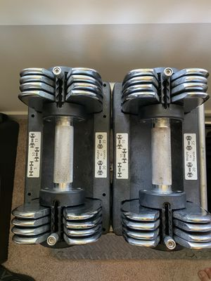 Set of adjustable weights 5-25lbs ( rack included ) for Sale in Sammamish, WA