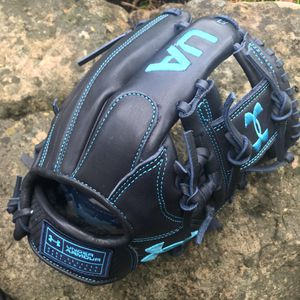 """Under Armour Genuine Pro 11.5"""" Spiral I-Web Baseball Glove for Sale in Spring, TX"""