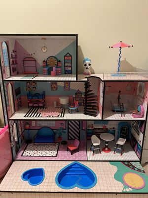 LOL Surprise doll house with accessories for Sale in Chicago, IL