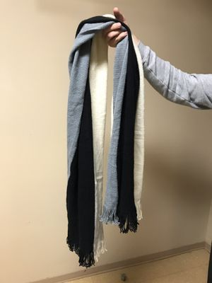 Donni Charm Thermal Trio Scarf for Sale in Conway, AR