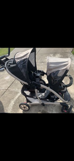 Graco Double stroller .. black/beige MAKE ME AN OFFER 👶🏻 for Sale in Cape Coral, FL