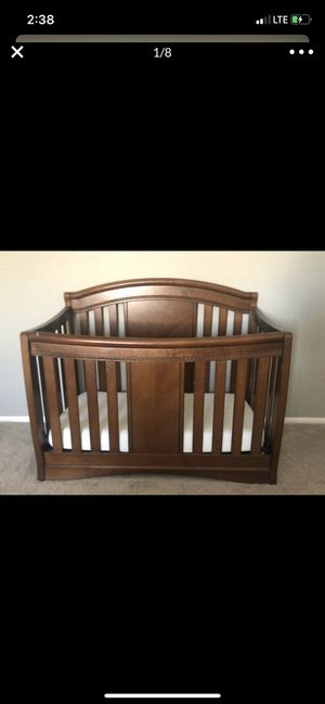 Simmons Elite Baby Crib and mattress for Sale in Moreno Valley, CA