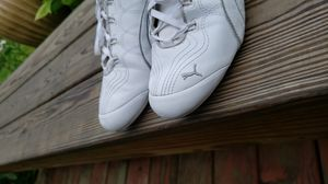 Puma tennis shoes women size 7 for Sale in Mount Pleasant, WI