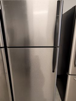 Kenmore Stainless Steel Top Freezer Refrigerator Used Good Condition With 90day's Warranty for Sale in Mount Rainier,  MD