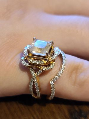 Zac Posen Morganite engagement ring and band for Sale in Simpsonville, SC
