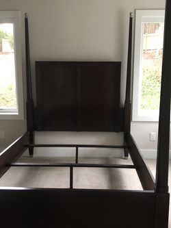 Solid Wood Queen Bed frame Contemporary $250 for Sale in Kirkland,  WA