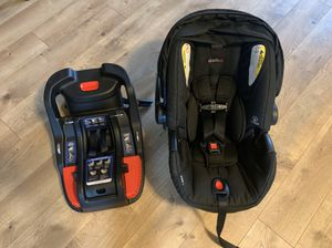 Britax B-Safe 35 Infant Car Seat and Base for Sale in Lake Stevens, WA