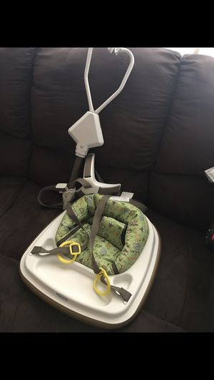 Graco baby door frame jumper for Sale in Silver Spring, MD