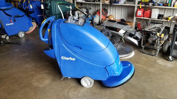 """Floor scrubber Clarke focus 20"""""""