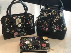 PURSES & WALLET SETS for Sale in Cleveland, OH