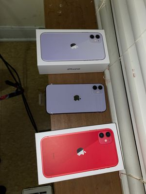 iPhone 11 red and magenta for Sale in Cleveland, OH