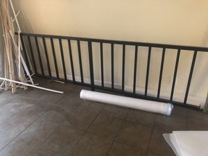 Free metal rail for Sale in Kissimmee, FL