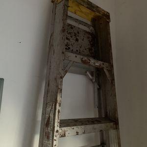 Werner Ladder 8 Foot for Sale in Princeton, NJ