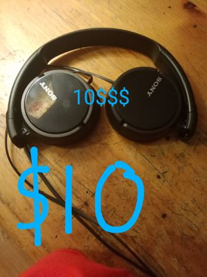 Sony headphones work great!! Only 10$$$ for Sale in Prospect Heights, IL