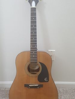 Guitar for Sale in Delaware,  OH