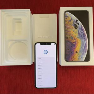 Apple iPhone XS 256GB Silver Mint Condition for Sale in Valley Stream, NY