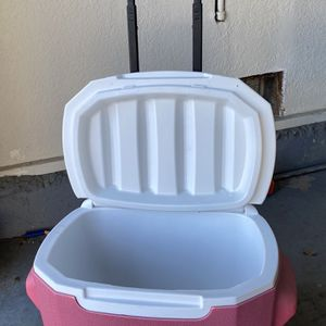 Coleman Roller Cooler for Sale in Fremont, CA