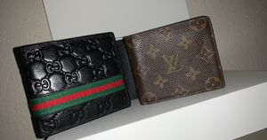 Gucci / Louis Vuitton Bi-Fold Wallets for Sale in Spring Valley, CA