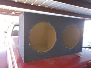 Box for 15 inch speakers for Sale in Lubbock, TX