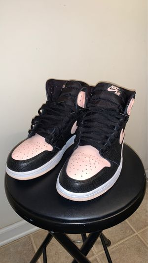 """Air jordan 1 """"Crimson Tint"""" great condition size 10 for Sale in Raleigh, NC"""