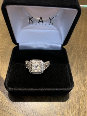 Princess cut diamond ring in 18 ct white gold for Sale in Lansing, MI