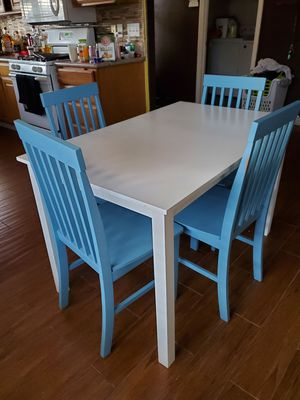 Kitchen table for Sale in Parlier, CA