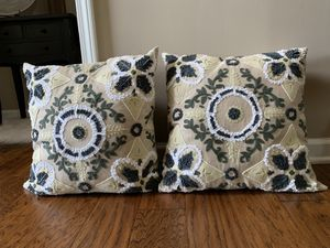 Set of Decorative Pillows (2) $20 for Sale in Smyrna, TN