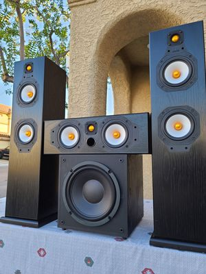 """High-End ( Monitor Audio ) Models: Silver 5i Tower Speakers / Silver Center 10i / ASW100 10"""" Sub / Hear it before you buy it! for Sale in Las Vegas, NV"""