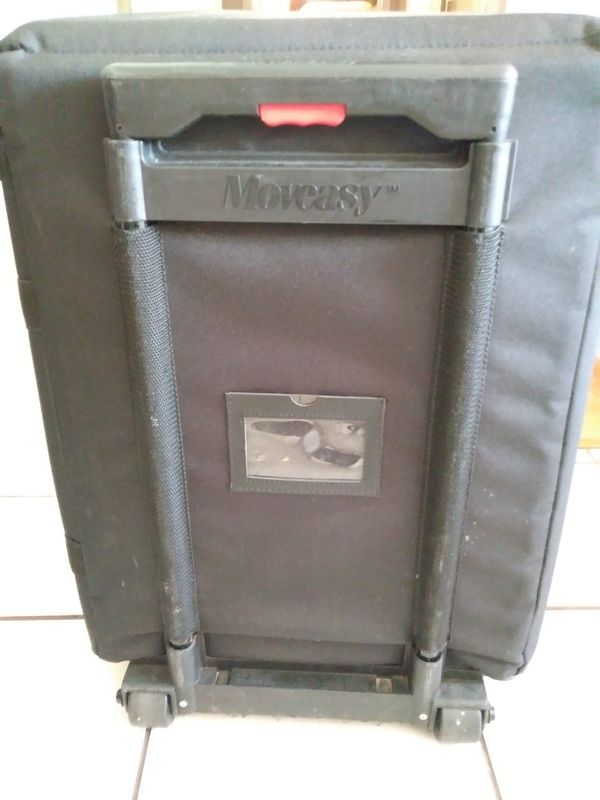 Jelco Moveasy Padded Luggage with wheels. Projector luggage