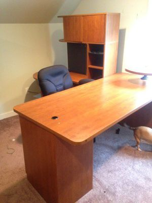Home office desk for Sale in Houston, PA