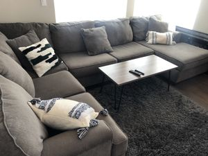 Great condition sectional couch (no stains, no rips, no pets) for Sale in Seattle, WA