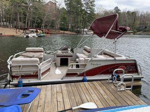 Sun Tracker Pontoon Boat for Sale in Atlanta, GA